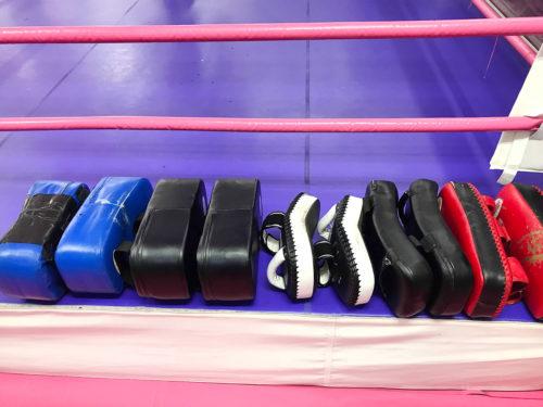 トレーニング用具 - キックボクシングジム