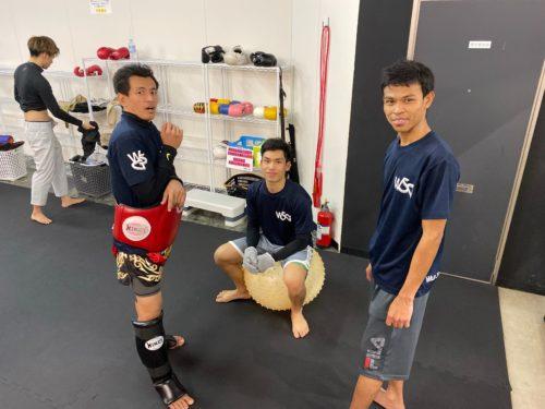 トレーナー - キックボクシングジム