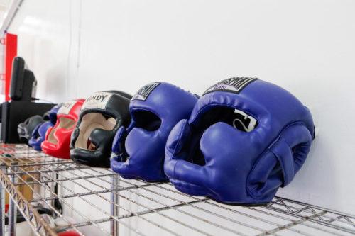 トレーニング用具 3 - キックボクシングジム