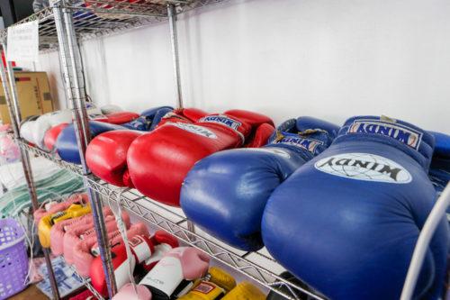 トレーニング用具 2 - キックボクシングジム