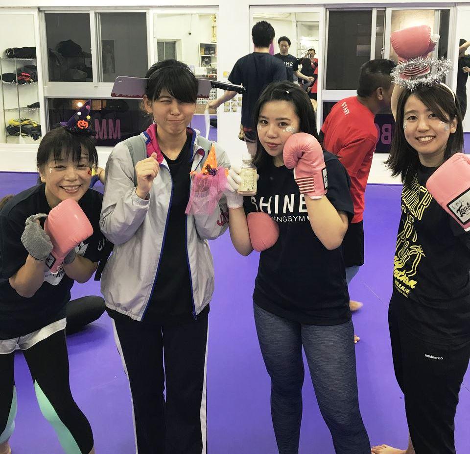 SHINE(那覇市・泊)の練習風景1 - キックボクシングジム