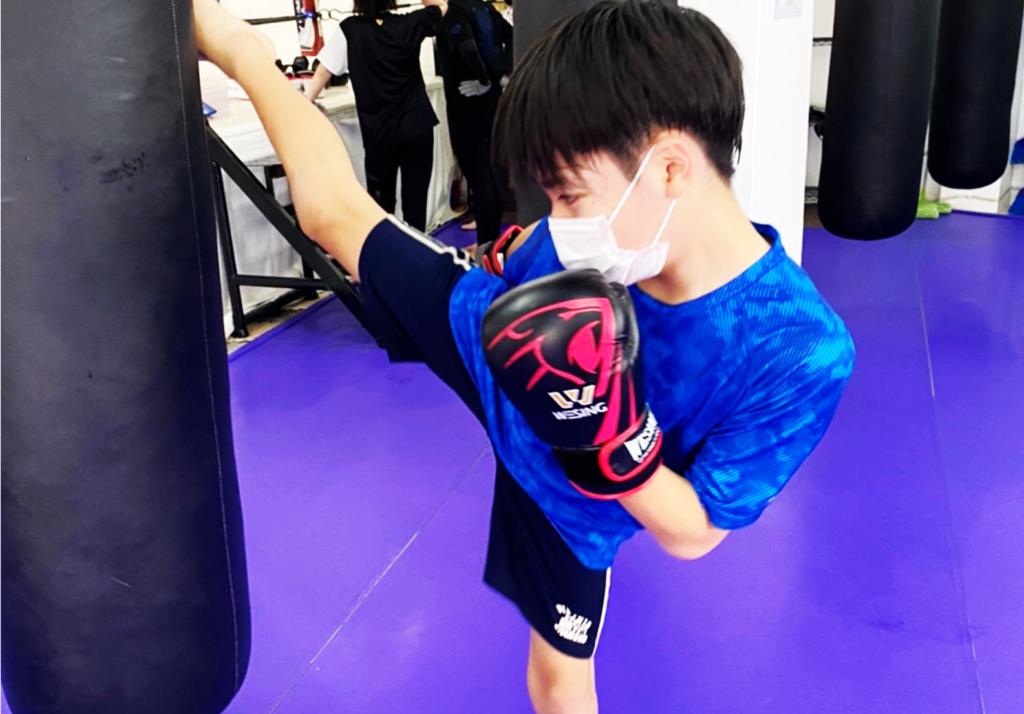 SHINE(那覇市・泊)の練習風景3 - キックボクシングジム