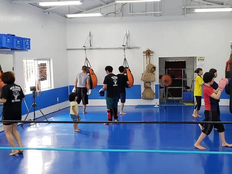 ワイルドシーサー沖縄・南風原ジムの練習風景3 - キックボクシングジム