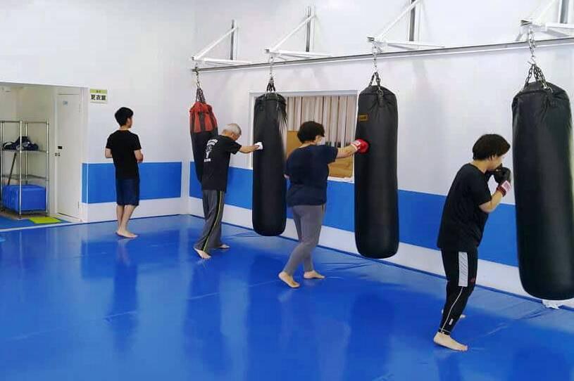 ワイルドシーサー沖縄・南風原ジムの練習風景 - キックボクシングジム