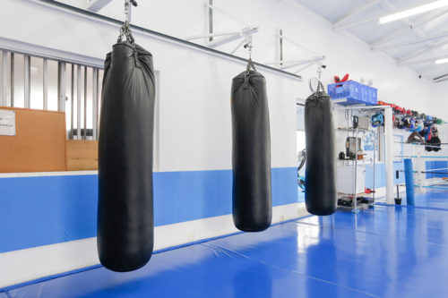 - キックボクシングジム