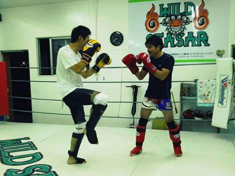 コザ店舗の練習風景 - キックボクシングジム