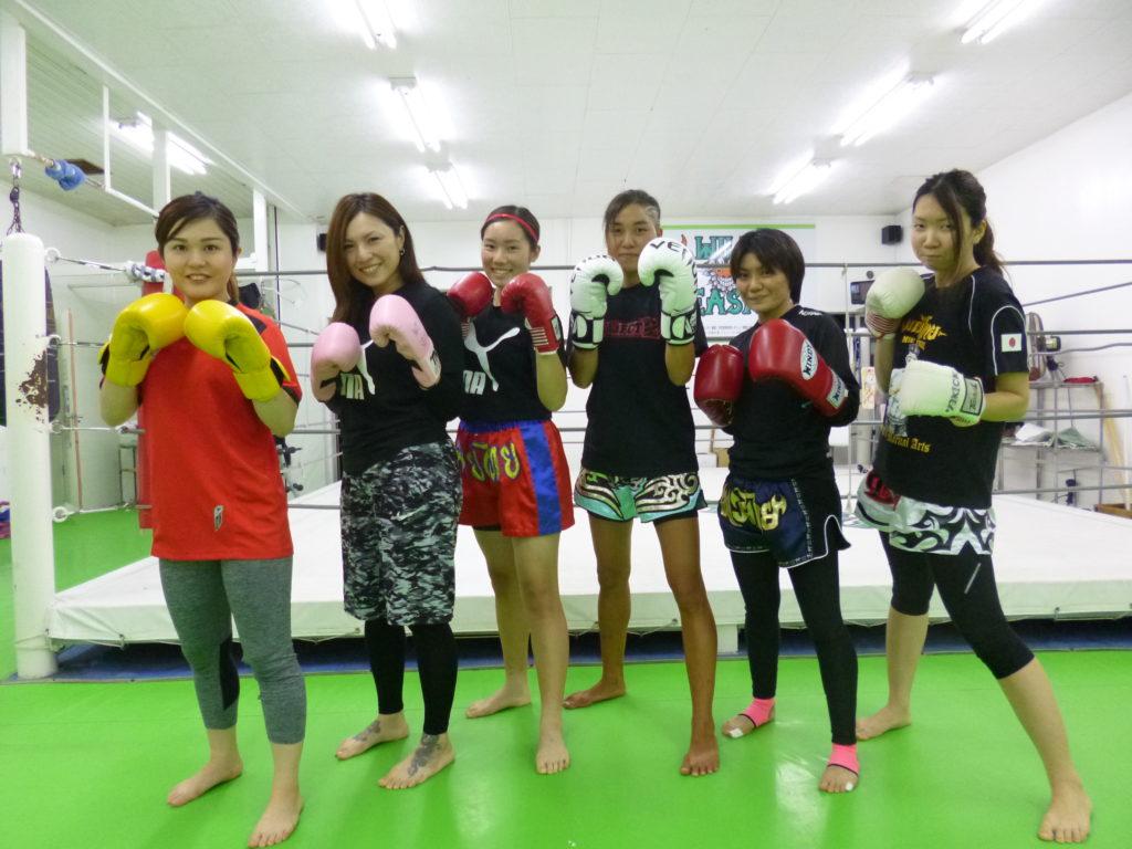コザ店舗の女性会員 - キックボクシングジム